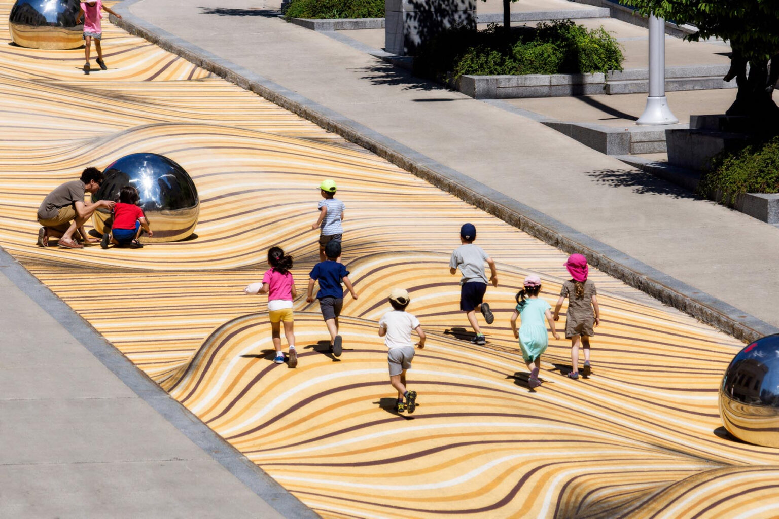 Impressive Moving Dunes Optical Illusion